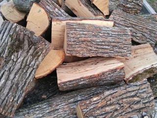 Дрова колотые.Livram lemne de foc despicate.