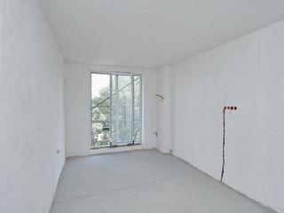 Vînd apartament cu 2 odăi , 79 m2 , et.7 din 15 , vedere la parc , Bloc nou de Elită!!