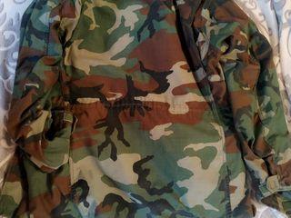 Продается легендарная камуфлированная американская полевая куртка M-65.