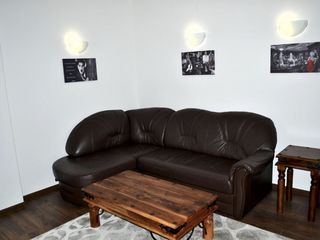 Apartament 3 camere + living , cu parcare privata si debara - sectorul centru linga Maraton