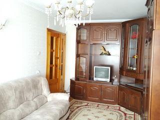 Oferim spre vinzare apartament 3 camere mobila euro reparație incalzire autonoma zona Botanica