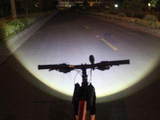 Фонарь 2000 люмен и вело фиксатор