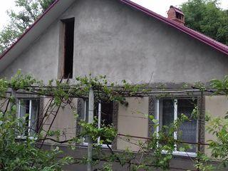 жилой 2х этажный, 7 соток в центре Крикова - недорого!