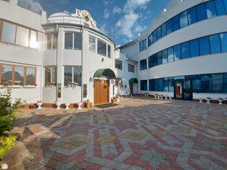 Продается коммерческая недвижимость в Яловенах