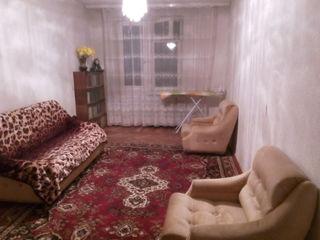 Dau in chirie apartament cu 2 odai, foarte bun, sect.Riscanovca str.Studentilor.Pret super 160 euro.