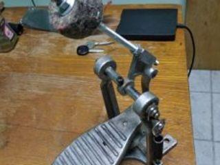 Педаль для басового барабана