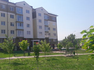 Ialoveni,apartament in casa noua data in exploatare,centru,et 3 din 6.