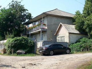 Двухэтажный дом с участком (срочное предложение!)