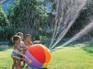 Летний надувной мяч с водяными брызгами!