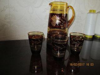 Графин, стаканы разные, селедницы,.вазы.