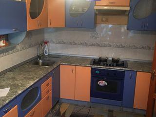 Casa separata, curte mare, 3 oda-  250 euro