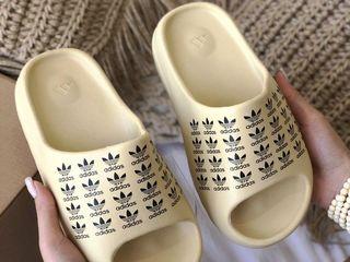 """Adidas Yeezy Slide """"Logo"""""""