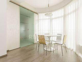 Chirie  Apartament cu 3 odăi, Centru,  str. Alexei Mateevici, 2200 €