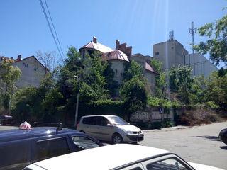 Продам 11 сот., Буюканы ул.Виссарион Белинский первая линия + строение 800 м2 !!!