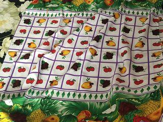 Față de masă nouă, Italia, culori aprinse, 180x240 cm, nu se fac pete, nu intră în stofă, se spală u