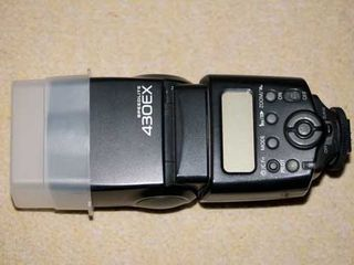 Вспышка Саnon 430EX в отличном состоянии Bliţ în stare ideală Canon 430EX