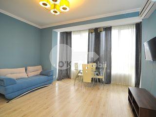 Apartament cu o cameră + living în bloc nou, Centru, 450 € !