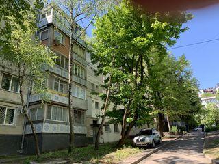 Куплю  1-3  квартиру в городе кишиневе, посредникам - риелторам- не беспокоить !!!