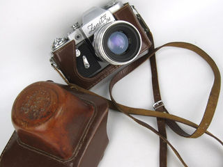 Куплю старый фотоаппарат. Cumpar aparat foto.
