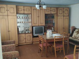 Продам дом в с. Делакеу. Дом находится в центре села, 10 мин от реки Днестр