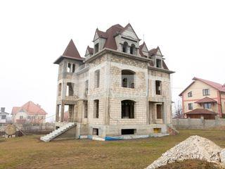 Casă cu 4 nivele, 580 mp, Dumbrava, 295000 € !