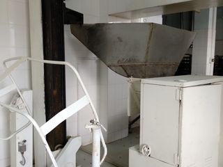 Se vinde utilaj tehnologic pentru producerea painii la preț negociabil.