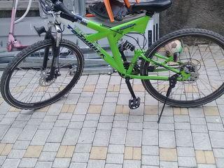 Bicicleta adusa din Germania