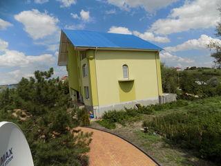 есть гатовый дом евроремонтом   5 уровни 4 этажа+подвал 600 м2