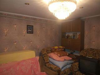Продается 1/2 1-этажного дома 50кв.м. в центре г. Бельцы по ул. Овидиу 2
