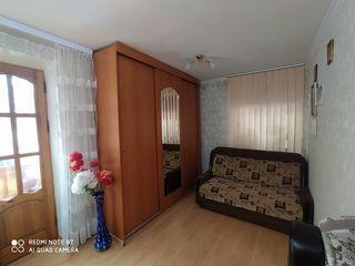 Apartament mobilat cu 2 camere Centru, Ungheni + Garaj pentru automobil