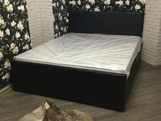 Шикарный кровать от спальни ! Очень очень красивая и интересная 5500
