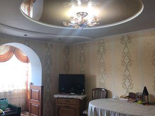 Se vinde apartament cu 3 odăi or.Soroca str.Soltuz 2 (regiunea fabricii de tricotaje)