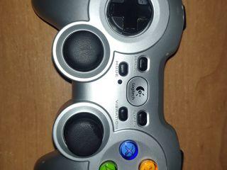 Logitech G Wireless Gamepad F710