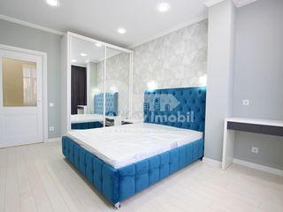 Apartament cu 2 camere, bloc nou, Centru, 390 € !