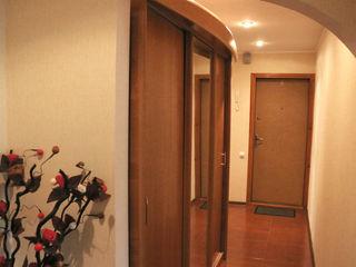 Продаётся 3-х ком. кварт. в г. Бендеры или меняем на жильё в Кишинёв, пригород Кишинёва.