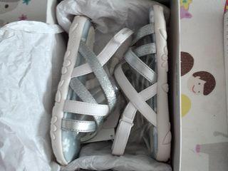 Geox  оригинал сандали новые.