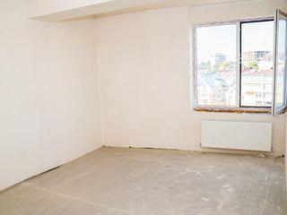 Apartament cu 5 camere si terasa  sector Centru ion Inculet doar 550 euro m/p