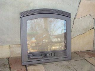 Двери чугунные для каминов, печей, духовок, чугунные аксессуары. Огнеупорное стекло.