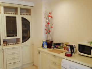 Ботаника, Индепенденцей, большая квартира в небольшом доме, 130 кв.м. 4 этаж.