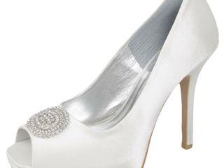 Очень красивые новые свадебные туфли! (не подошёл размер)