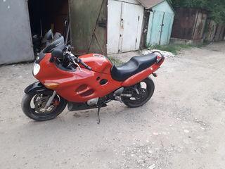 Suzuki gsxf600