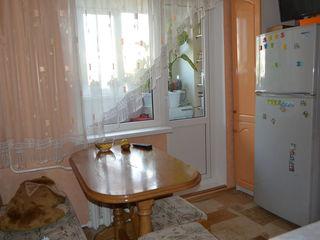 Se da in chirie apartament cu 3 odai la 240 euro / lunar