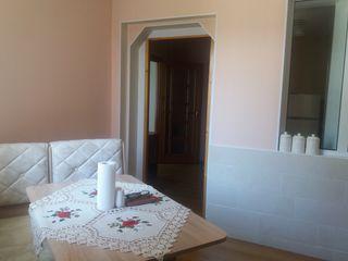 Se vinde apartament la sol cu 2 camere, regiunea Centru, ograda comuna-35000