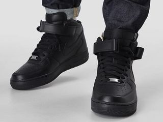 Nike air force black mid -hight