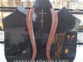 Производство памятников из чёрного гранита   по доступным ценам
