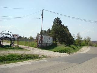 Stăuceni, zona 10 km la traseu (Chisianu-Orhei) - teren pe prima linie, 31 ari la 165000€