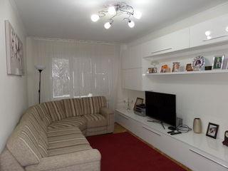 Euroreparatie!!! Apartament cu 3 odai,et. 4/10 prima linie pe bd. Moscova!!!