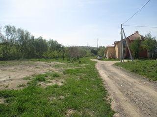 12 km de la Chisinau, in satul Magdacesti