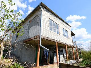 Vilă în 2 nivele, teren de 7 ari, 100 mp, Stăuceni 47000 €