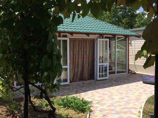 Vila pentru familia. in apropiere padurea Codru. Com Ulmu